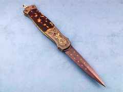 Custom Knife by Larry Newton